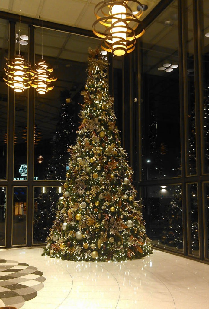 Holiday Decorating Trees Lights Decorations For Businesses